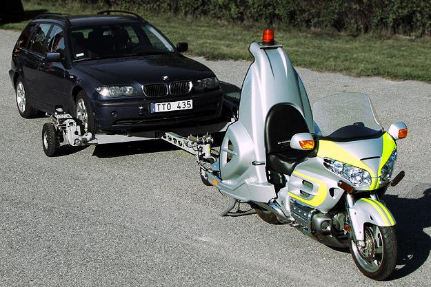 coming through retriever - Motorbike tow vehicle: Coming Through Retriever