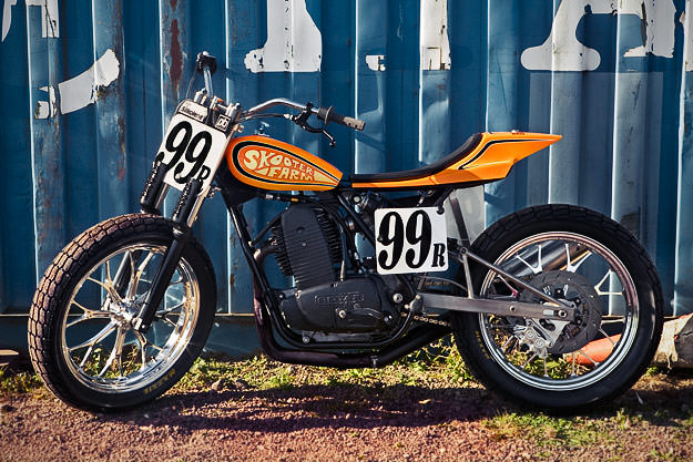 Flat track racing motorcycle