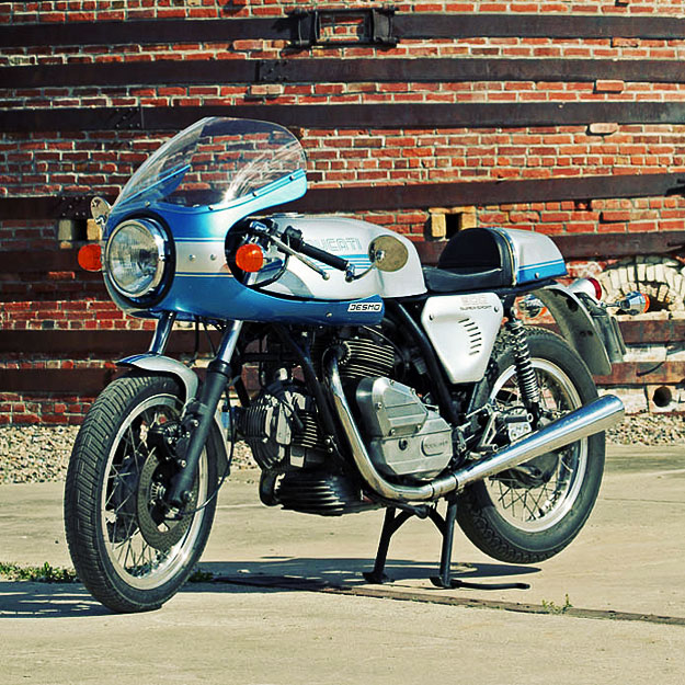 Ducati 900 GTS cafe racer