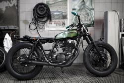 Yamaha SR500 by Blitz