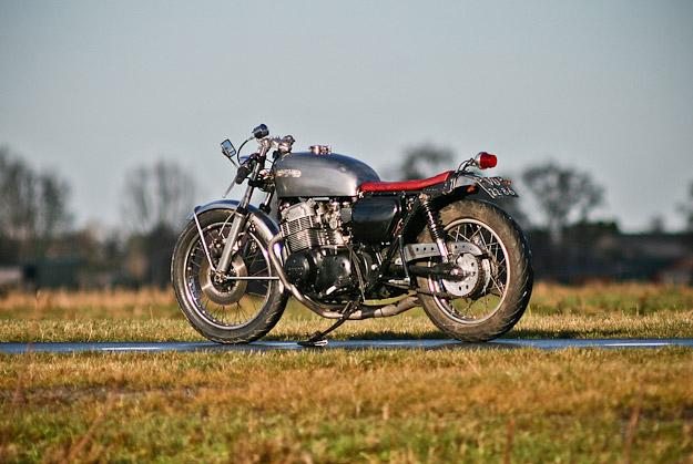 cb750 cafe racer. Honda CB750 K2 cafe racer