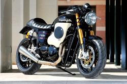 Triumph Thruxton by Mr Martini