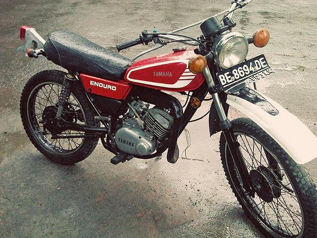 Yamaha DT100
