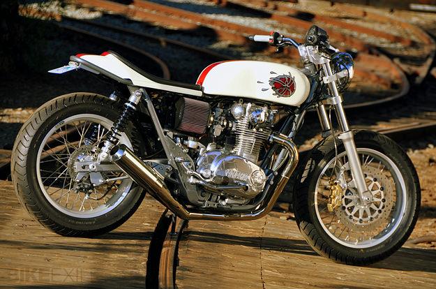Mule Yamaha XS650