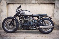 Triumph cafe racer custom by CRD