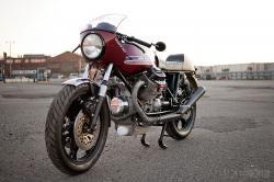 Moto Guzzi Le Mans resto-mod