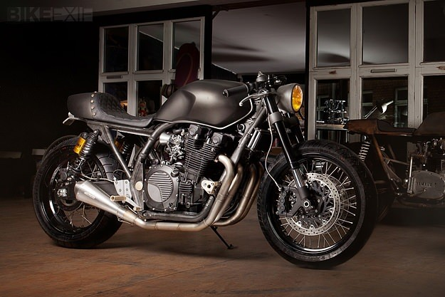 Yamaha XJR1300 by the Wrenchmonkees