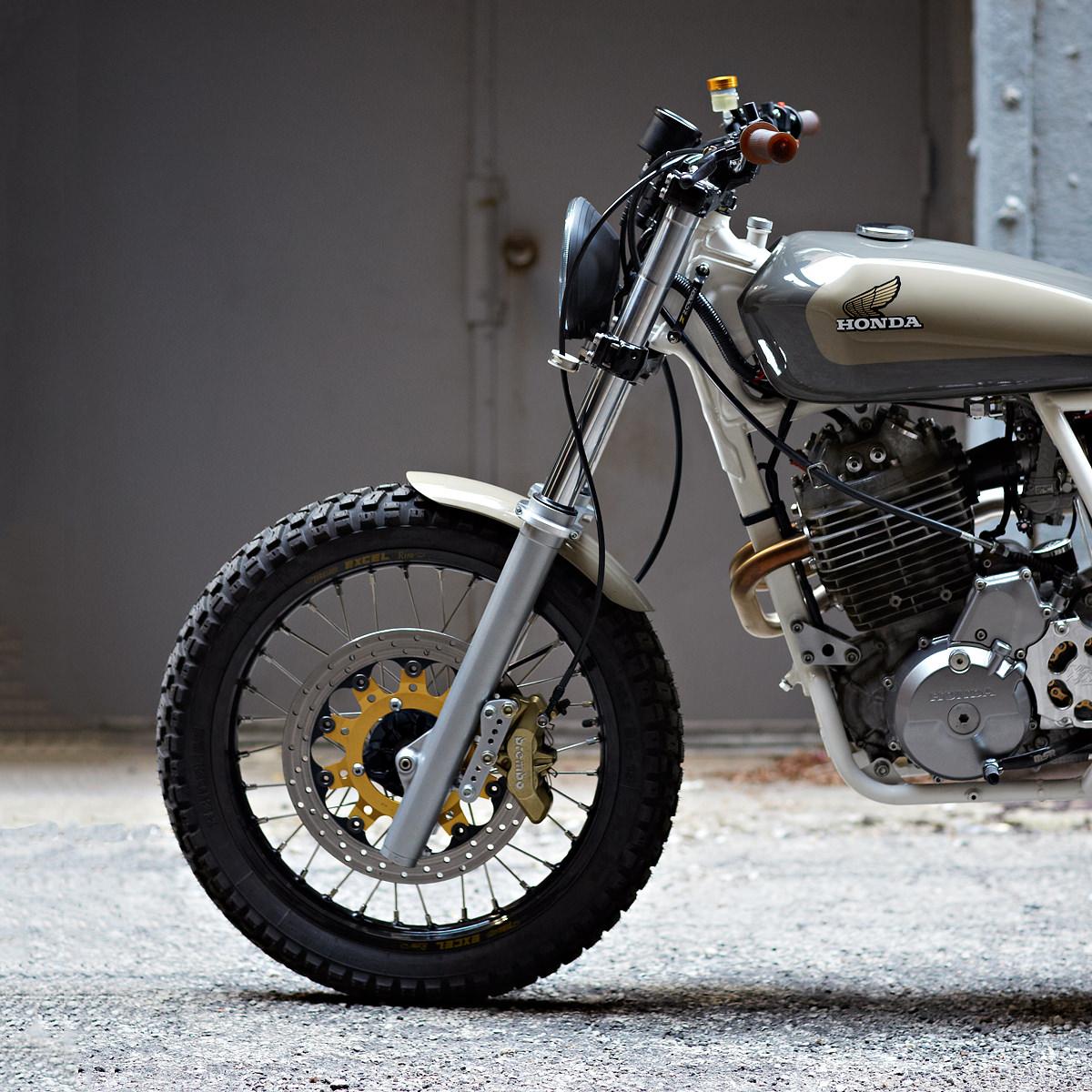 cabin fever: daniel peter's xr650 | bike exif