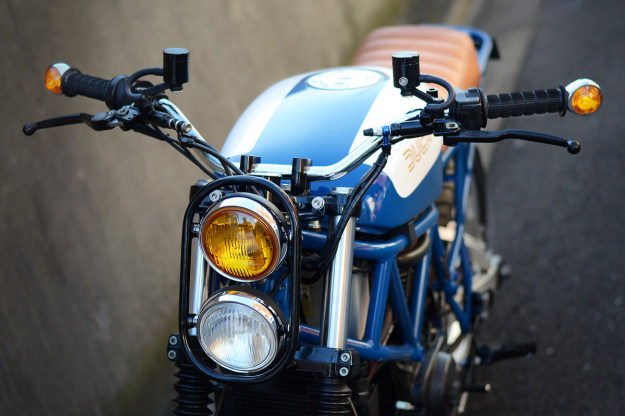 The Japanese workshop Speedtractor has turned the Ducati 750 Sport into a Scrambler.