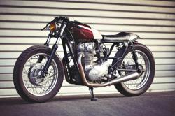 Low flyer: Yamaha XS650 by Clutch Custom