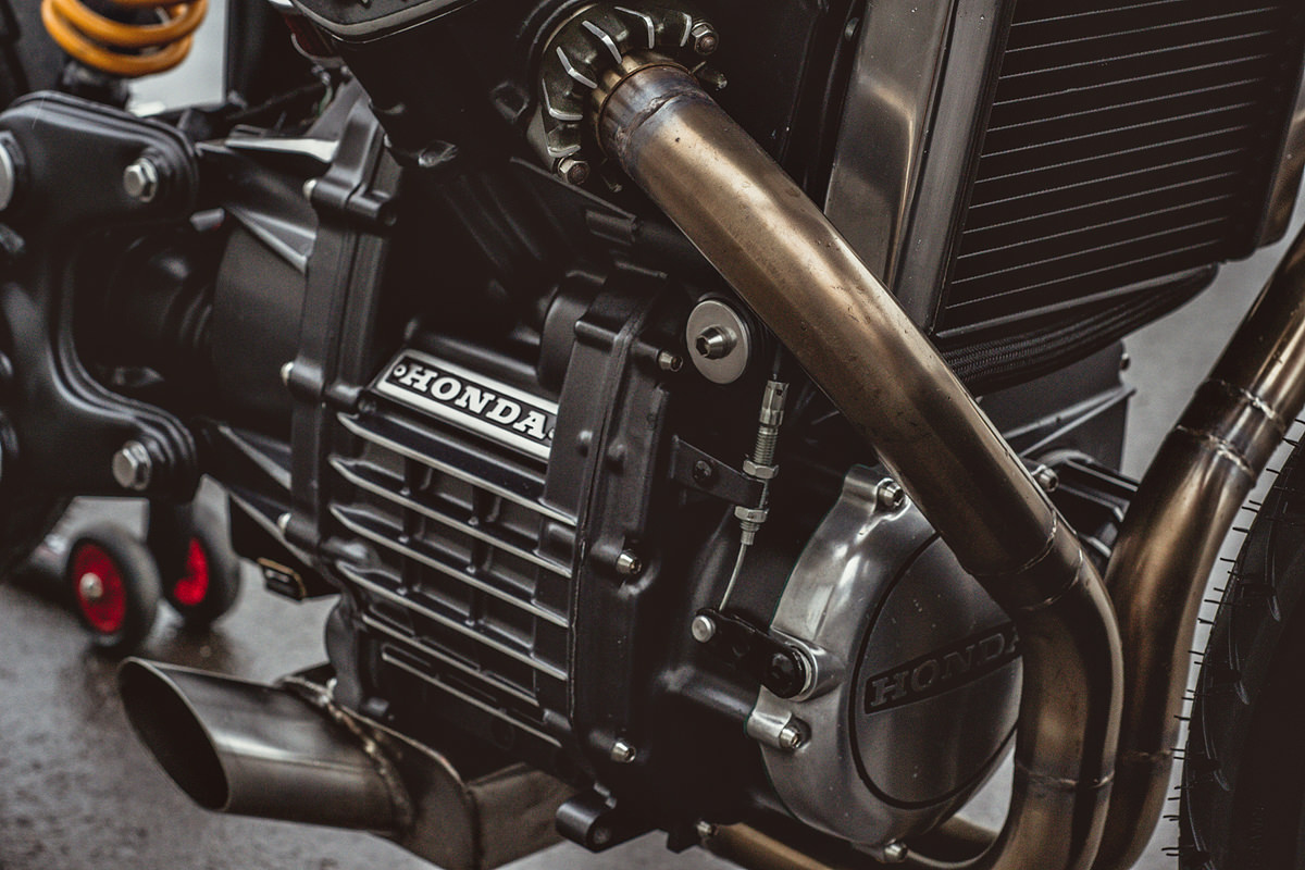 ready to race: sacha lakic's cx500 cafe racer   bike exif