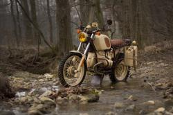 What if T.E. Lawrence rode a BMW R100GS?