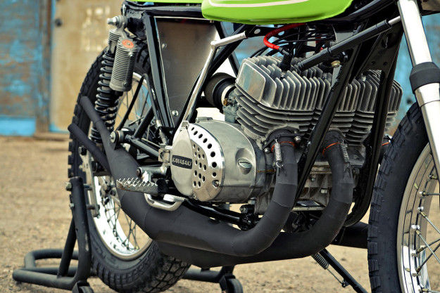 The Mach Chicken: A smoking hot Kawasaki S1 flat tracker.
