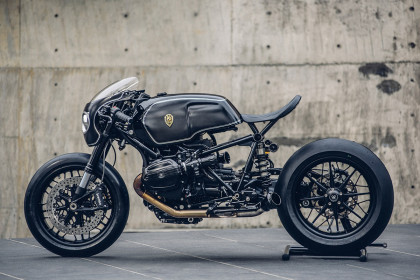 Bavarian Fightfighter: A brutal custom BMW R nineT from Rough Crafts.