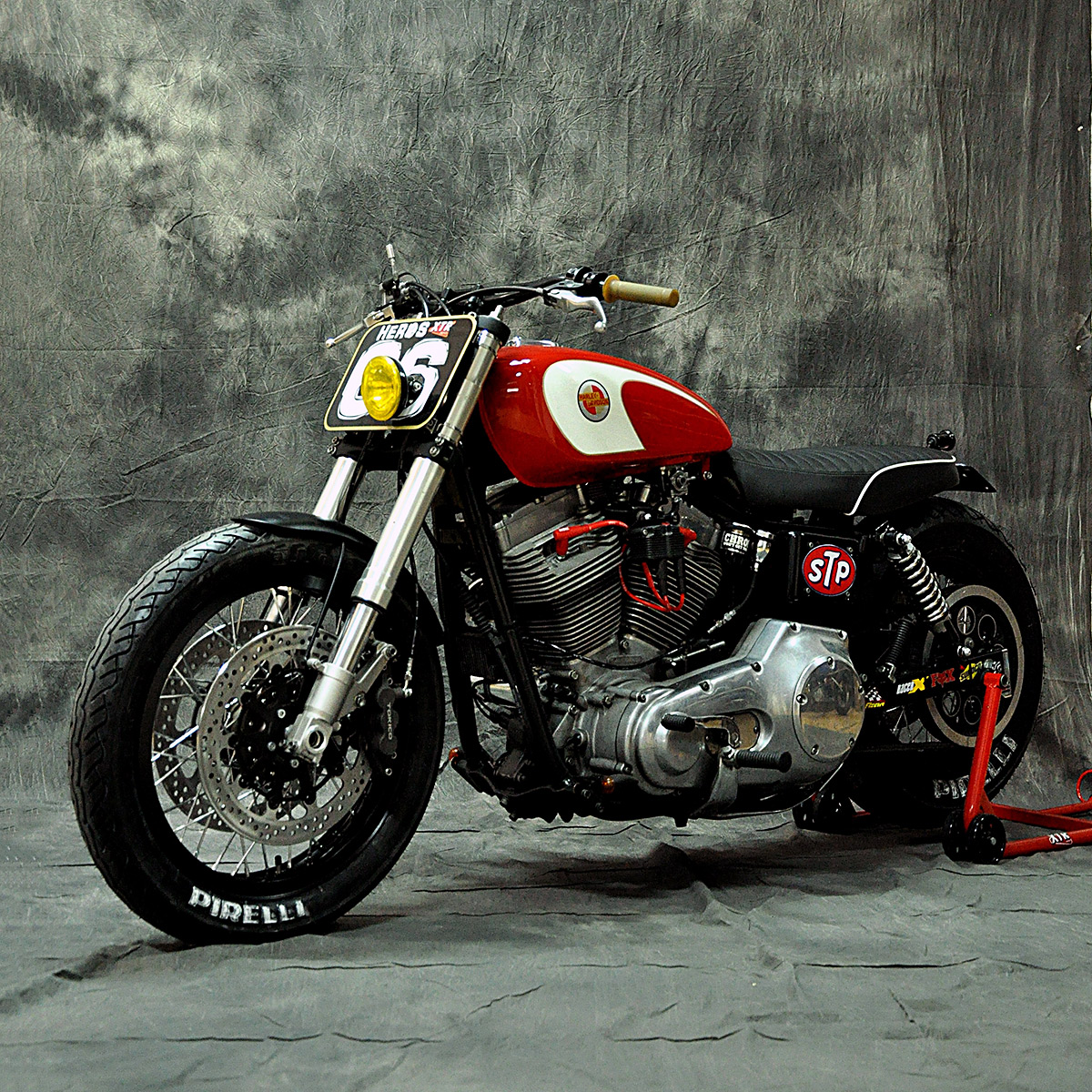 Remaking The Harley Dyna Street Tracker Style