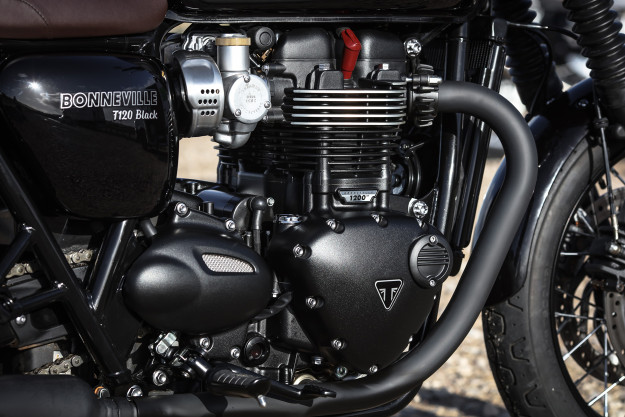 Review: New Triumph Bonneville T120 and Thruxton R