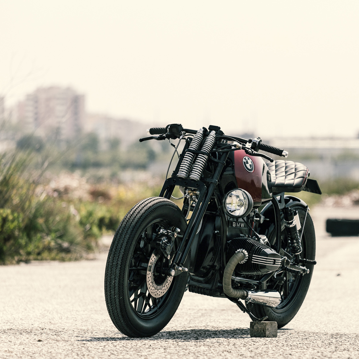 a different take on the custom bmw airhead   bike exif