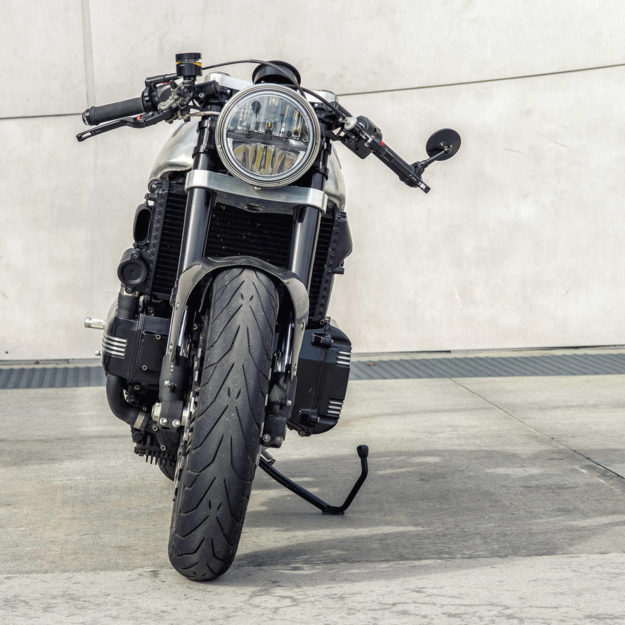 Killer K: A custom BMW K100 cafe racer by Mike Flores