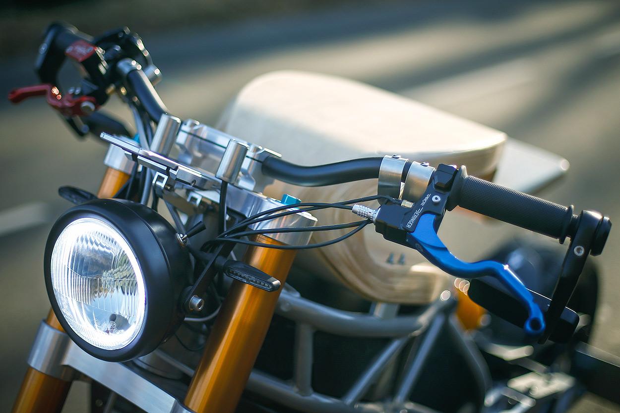 http://kickstart.bikeexif.com/wp-content/uploads/2017/03/e-raw-french-electric-motorcycle-2.jpg
