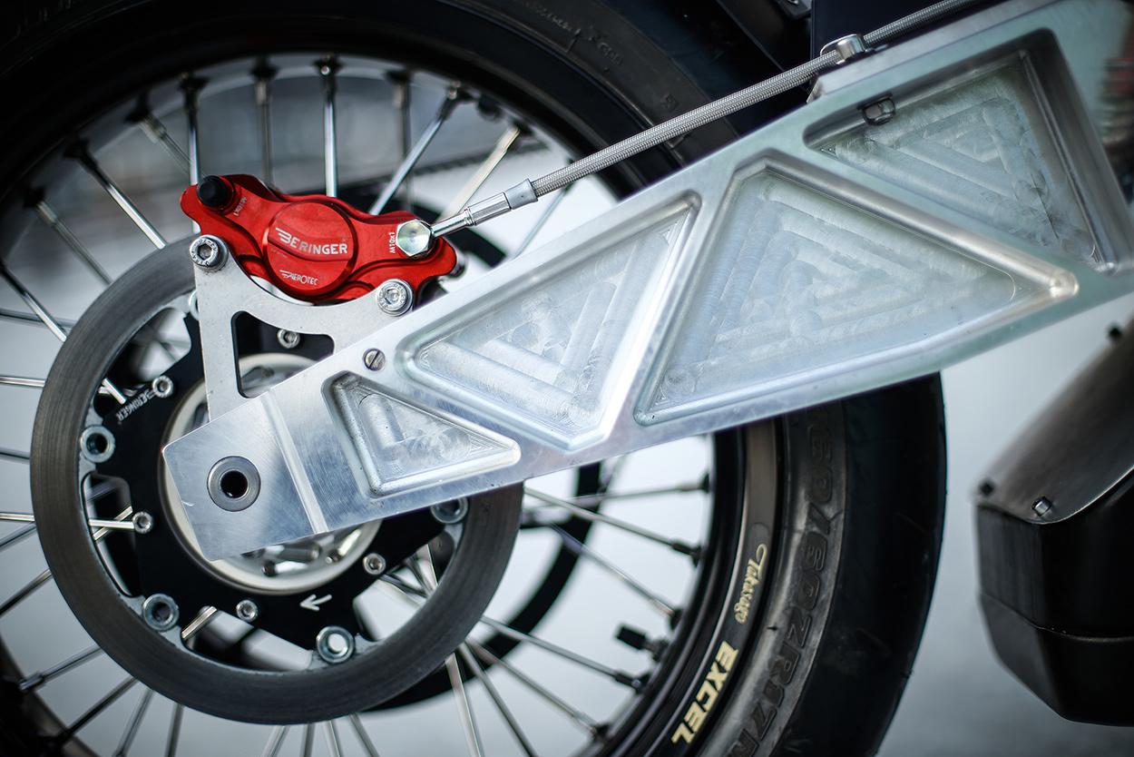 http://kickstart.bikeexif.com/wp-content/uploads/2017/03/e-raw-french-electric-motorcycle-5.jpg