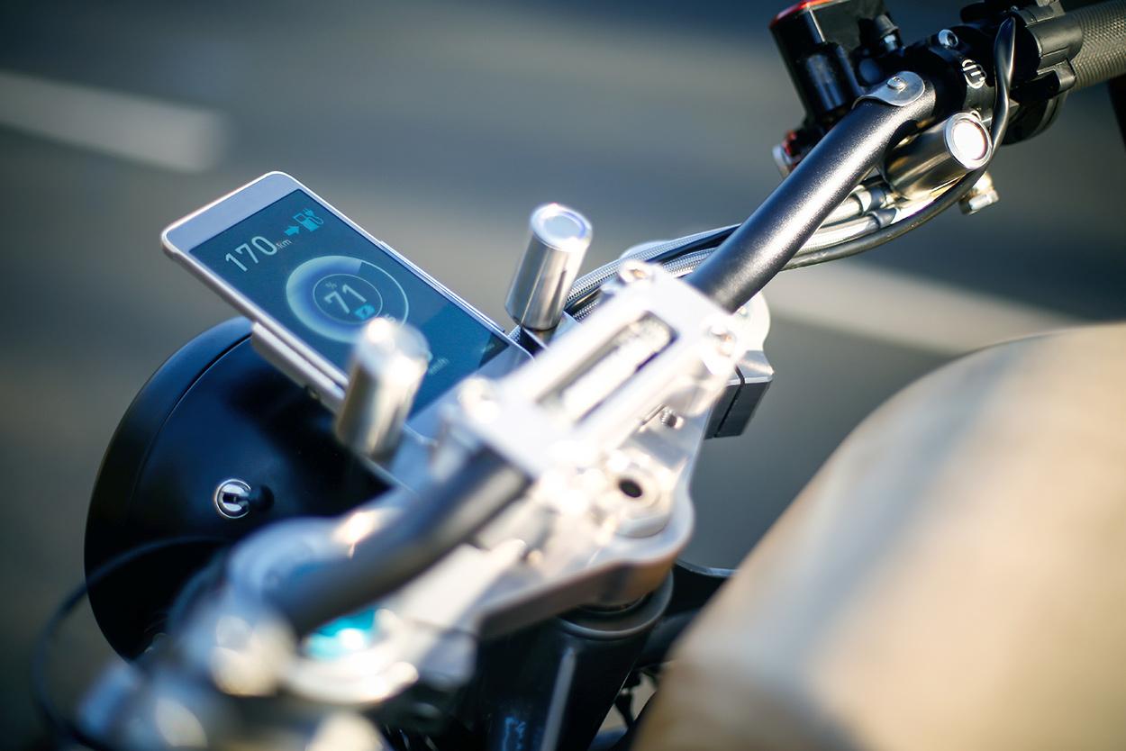 http://kickstart.bikeexif.com/wp-content/uploads/2017/03/e-raw-french-electric-motorcycle-6.jpg