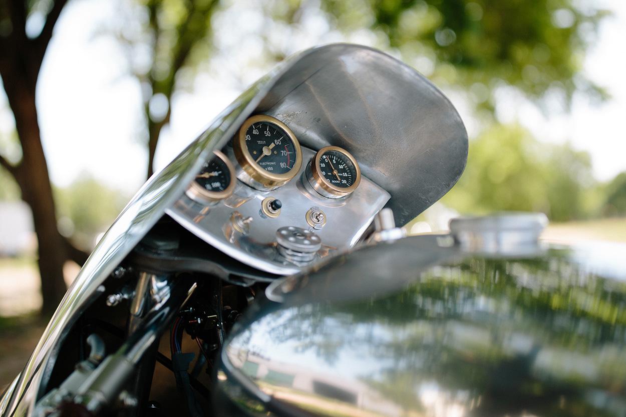 http://kickstart.bikeexif.com/wp-content/uploads/2017/05/craig-rodsmith-turbocharged-moto-guzzi-5a.jpg