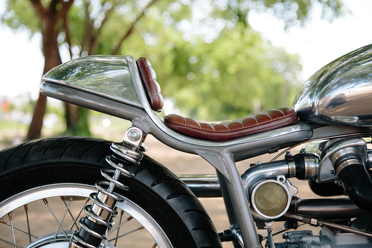 http://kickstart.bikeexif.com/wp-content/uploads/2017/05/craig-rodsmith-turbocharged-moto-guzzi-6.jpg
