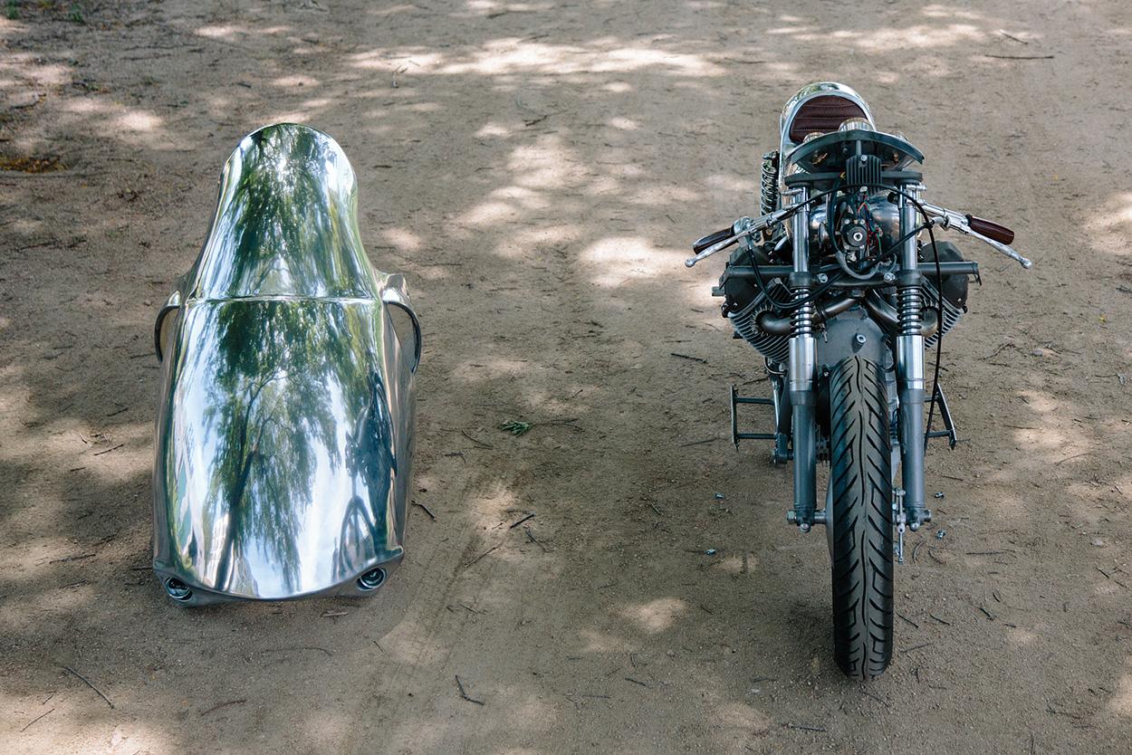 http://kickstart.bikeexif.com/wp-content/uploads/2017/05/craig-rodsmith-turbocharged-moto-guzzi-7.jpg
