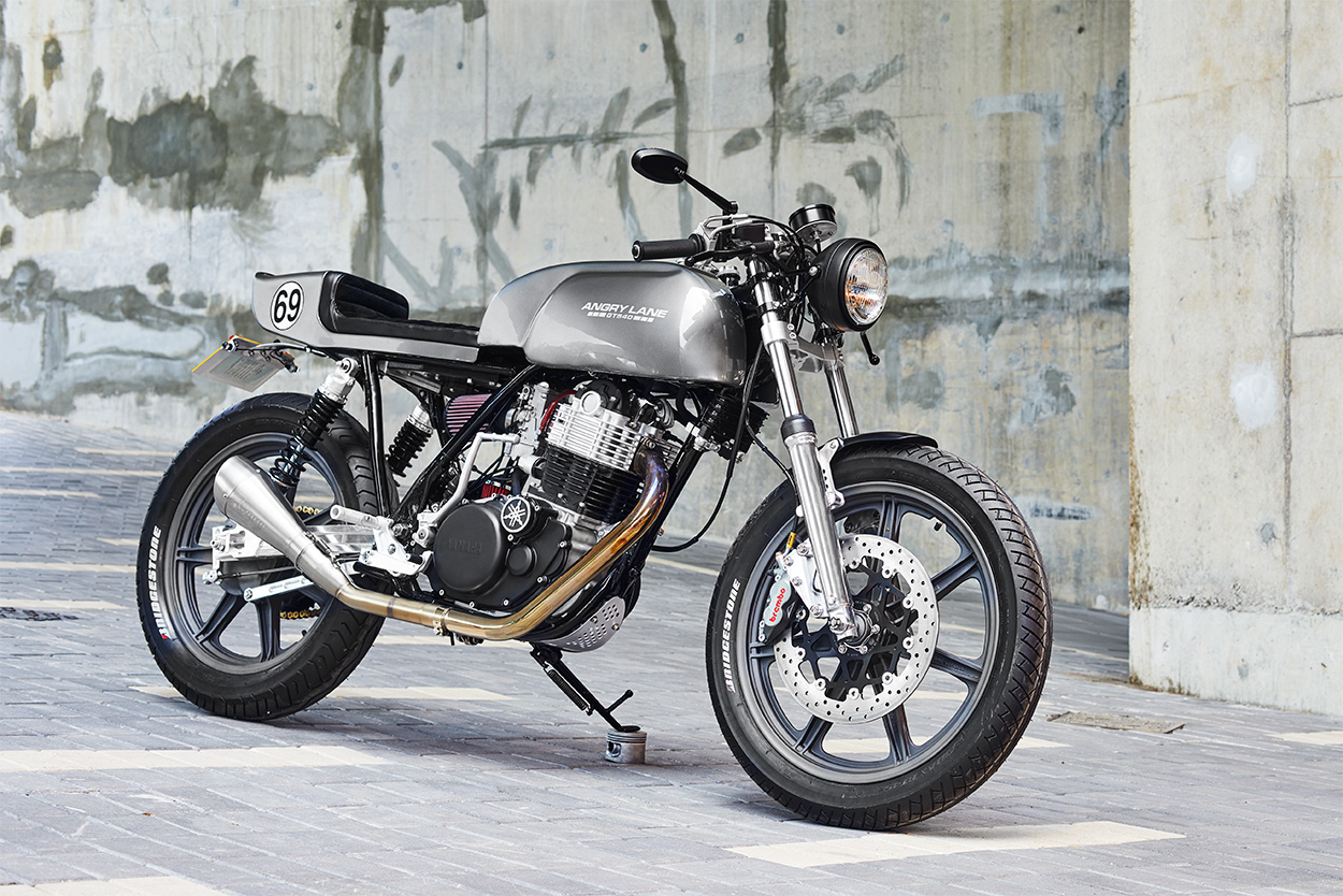 Grey Power: Angry Lane's Yamaha SR500 cafe racer