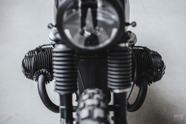 Hammerhead: A BMW R100/7 scrambler from Hookie Co.