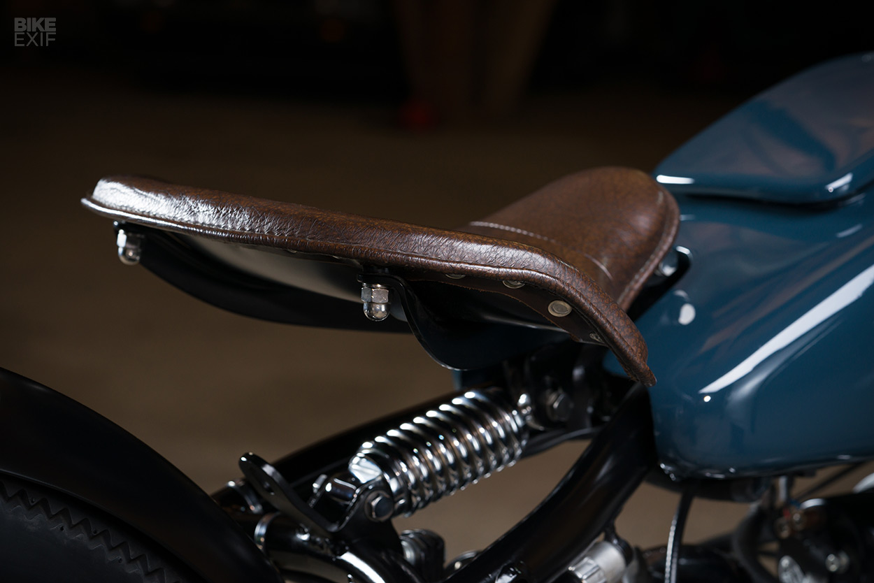 Old Timer This Swiss Bmw Restomod Is Just Perfekt Bike Exif Front Wheel Bikes 2 The R51 Was Only Produced In 1950 And 1951 So There Arent Many Around As Youd Expect Parts Are Hard To Come By But Since One Already A