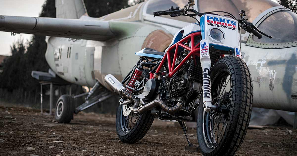 Desmo Flat: Home Made Motorcycles' Ducati 750SS tracker