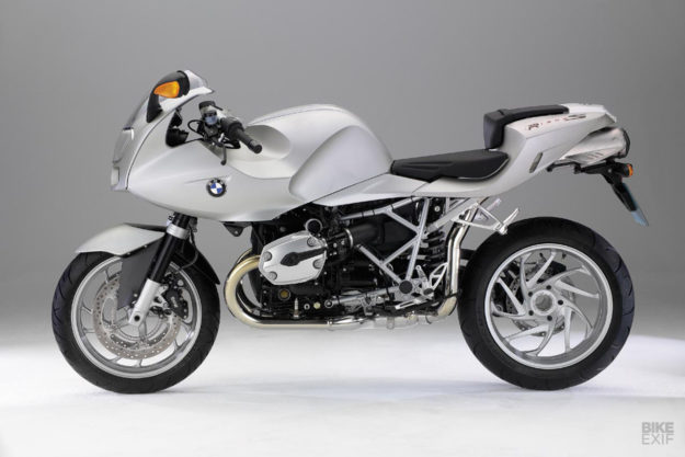 BMW R1200S fairing design