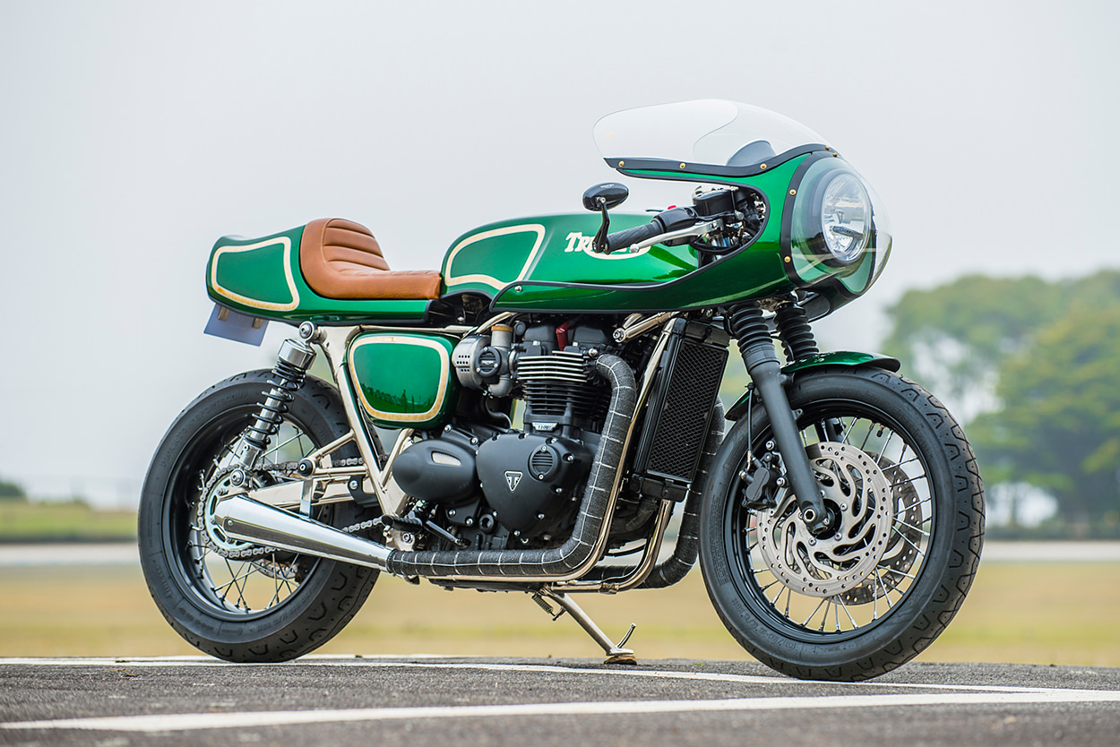 A Triumph T120 cafe racer homage to Rickman by Geoff Baldwin