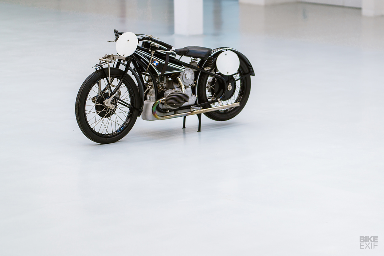 Behind Closed Doors Bmws Hidden Supercharged Wr 750 Bike Exif The Top Line Of Bmw Bikes Both Existing Are Land Speed Racers Modified For Straight Glory So They Distinctly Different From Road That Schwarzmann Wanted