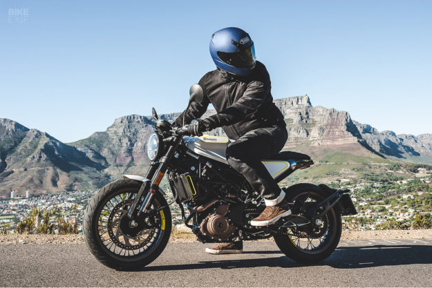 Review: The 2018 Husqvarna Vitpilen and Svartpilen 401
