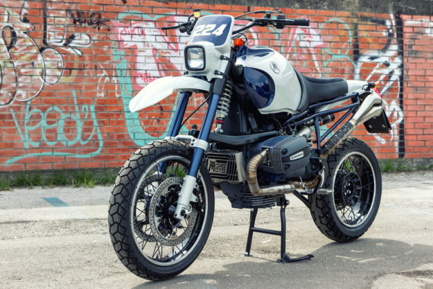 BMW R1100GS Megamoto tribute