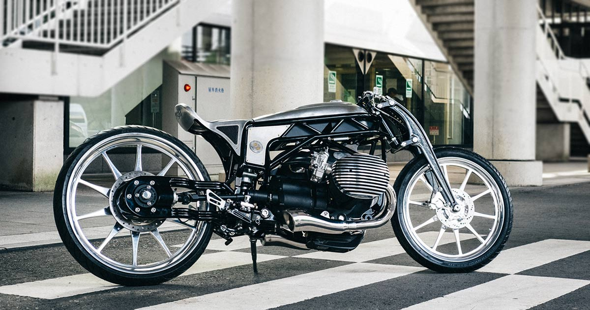 On the ground at Mooneyes: BMW unveils a 1800 cc custom