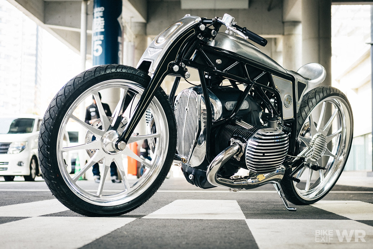 On The Ground At Mooneyes Bmw Unveils A 1800 Cc Custom Bike Exif