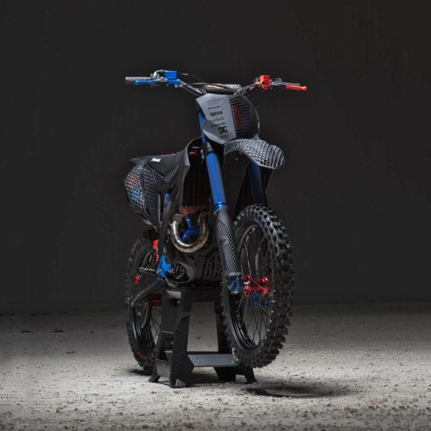 Custom Kawasaki KX450 with 3D printing bodywork