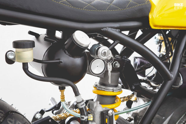 Custom Kawasaki triple by Motobrix